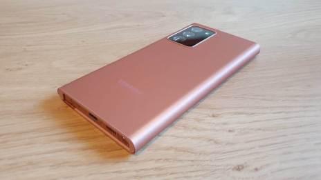 Le Samsung Note 20 Ultra 5G dans sa protection.