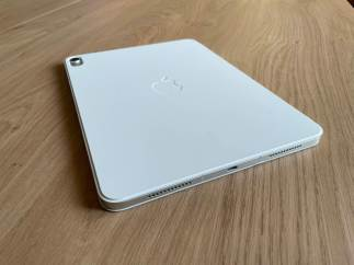 L'iPad Air 4 d'Apple avec le Smart Folio.