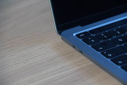 MacBook Pro 2020 avec Apple Silicon M1: deux ports USB-C.
