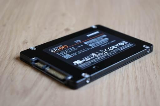 Le Samsung SSD 870 EVO: très fiable selon son concepteur.