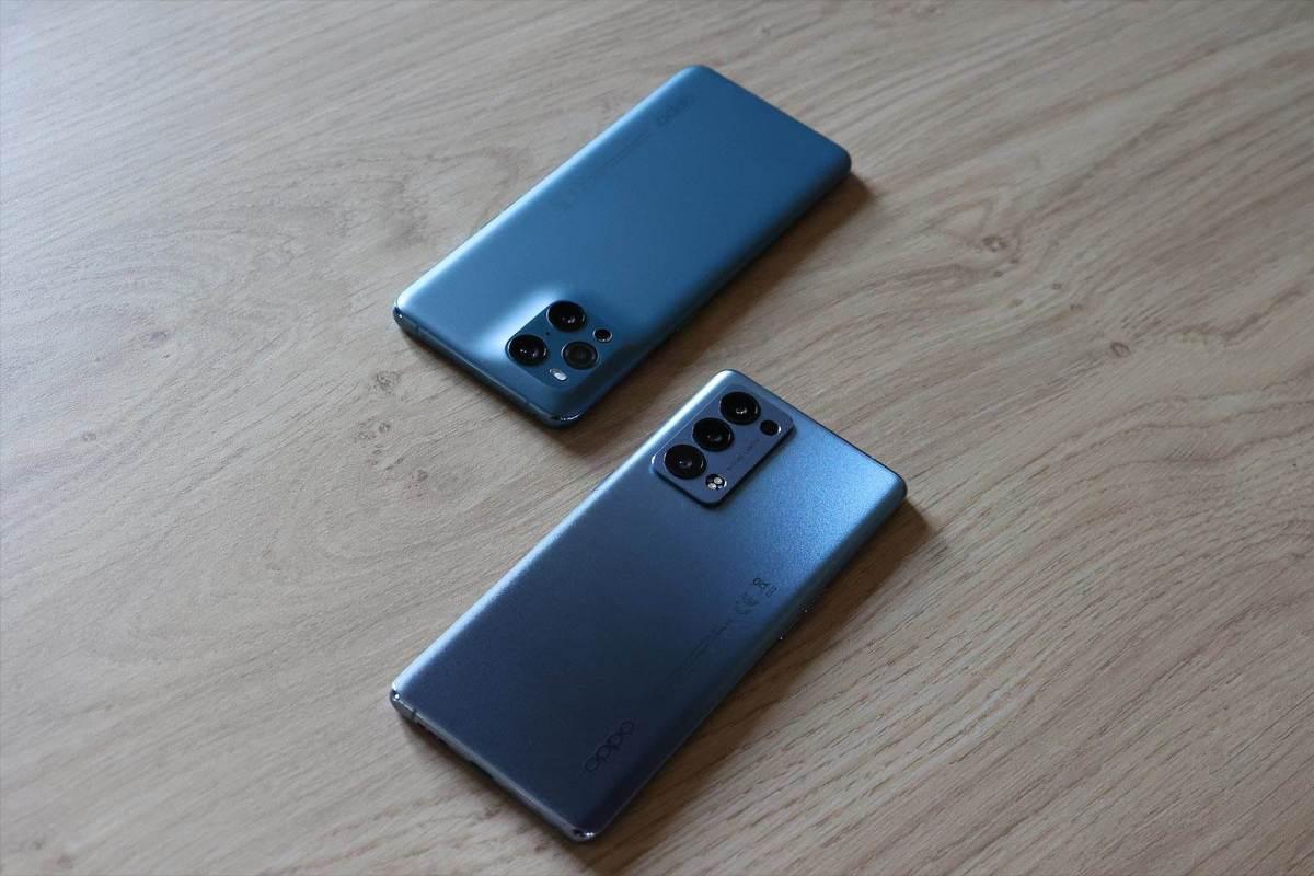 Les Oppo Reno6 Pro (devant) et Find X3 Pro.