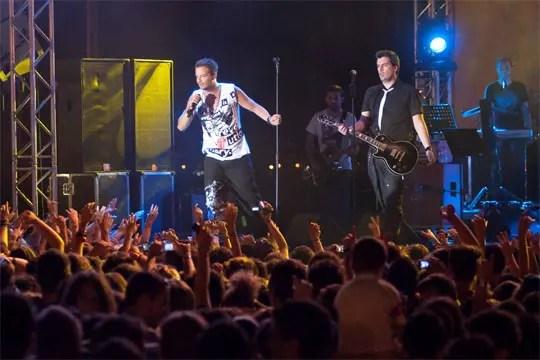 Νίνο feat De Niro, Amita Motion Tour