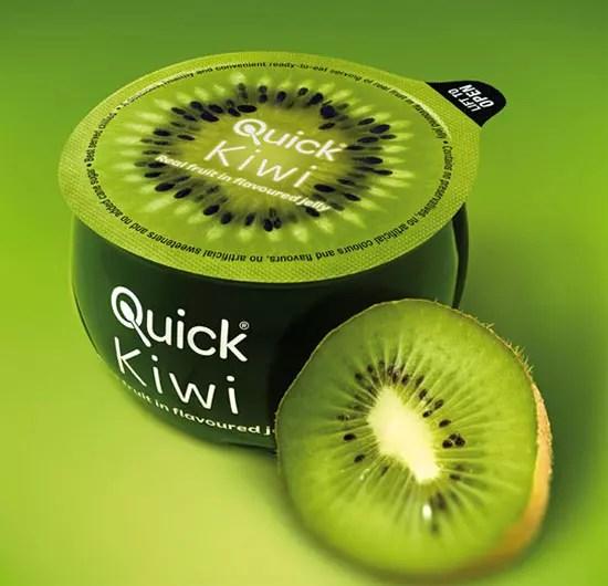Ζελέ με γεύση ακτινίδιο σε συσκευασία που παραπέμπει σε κομμένο φρούτο.