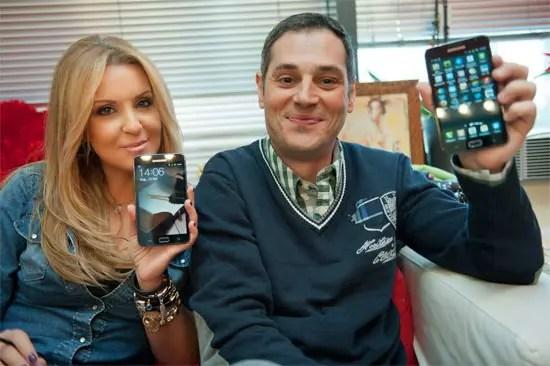 Ναταλία Γερμανού, Βασίλης Δρυμούσης με Samsung Galaxy Note