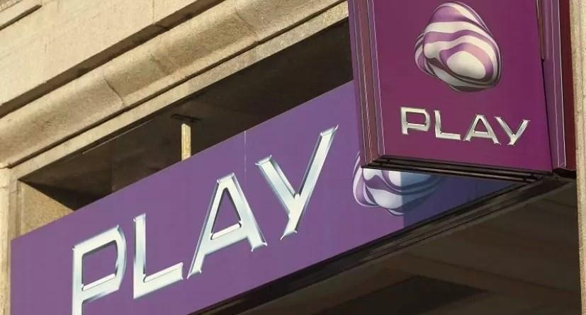 PLAY (P4)