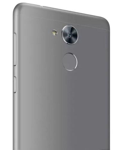 Huawei Nova Smart rear