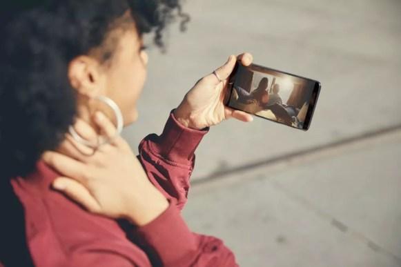 OnePlus 5T Lifestyle 6