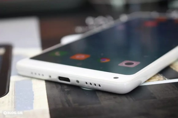 Xiaomi Mi MIX 2 hands on 4