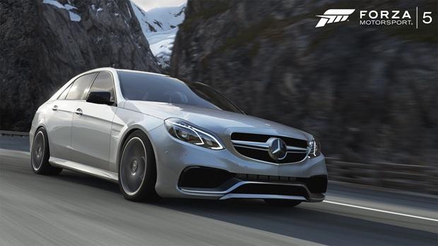 MercedesBenzE63-01-WM-Forza5-AlpinestarsCarPack-jpg