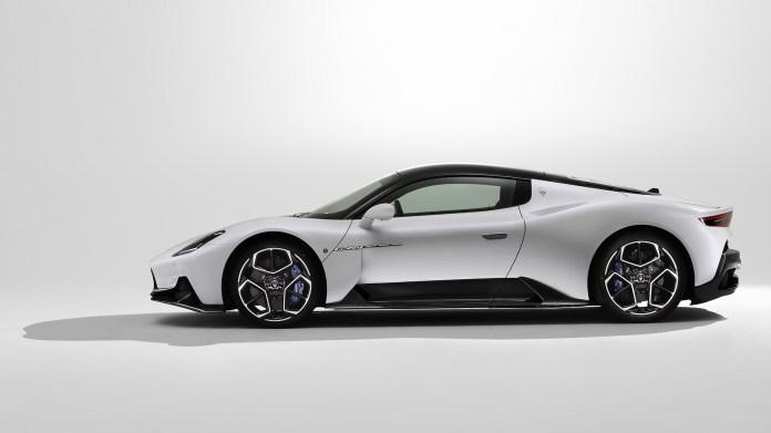 2021-Maserati-MC20-006-1080
