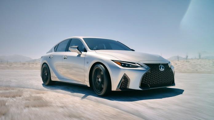 2021-Lexus-IS-001-1080