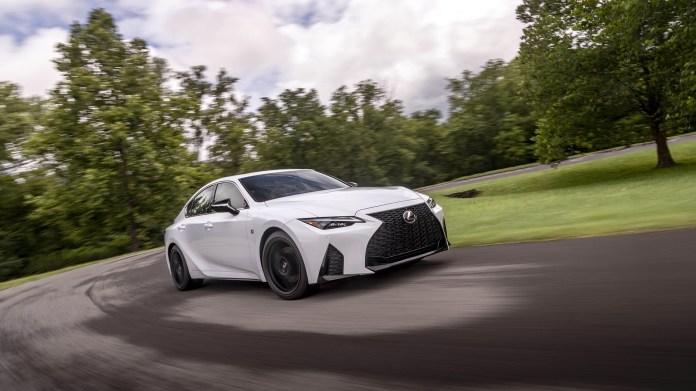 2021-Lexus-IS-007-1080