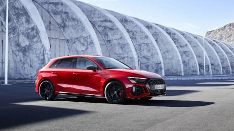 2022-Audi-RS3-Sportback-005-1080