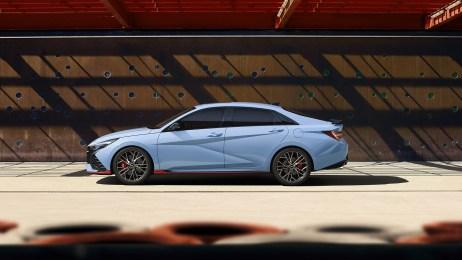 2022-Hyundai-Elantra-N-002-1080