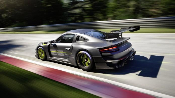 2022-Porsche-911-GT2-RS-Clubsport-25-004-1080