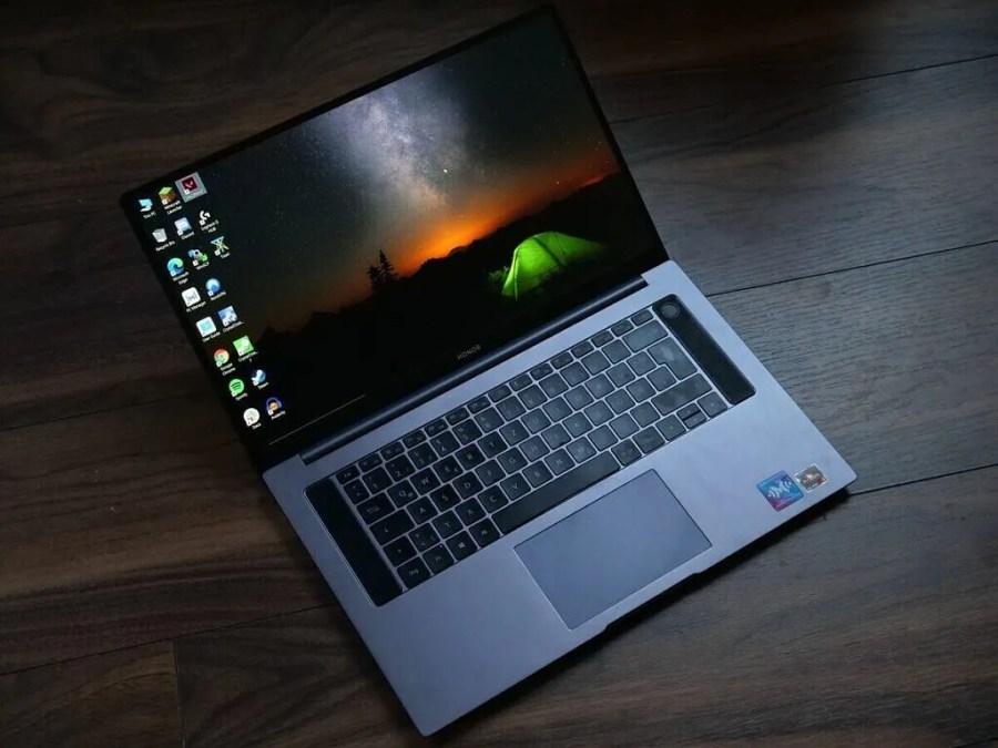 MagicBook Pro Cephesini Onurlandırın