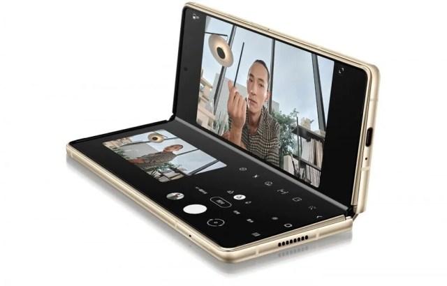 Samsung W21 resmi görseli