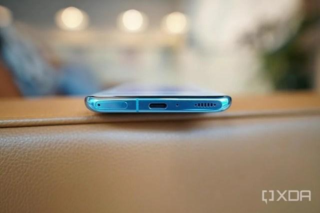 Xiaomi Mi 11 USB port