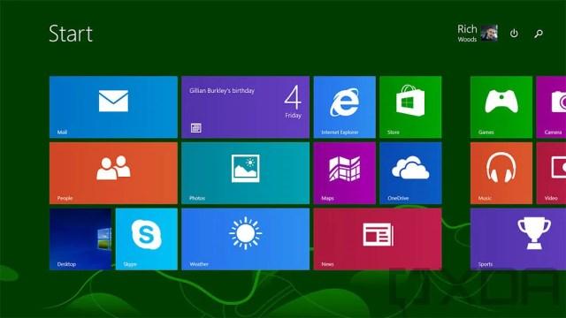 Windows 8 Start Screen screenshot with green background