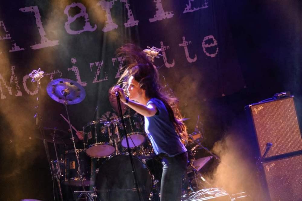 Alanis Morissette Tribute - Alaniz Morizzette DW 1