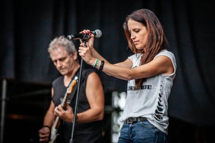 Alanis Morissette Tribute Band - Alaniz Morizzette