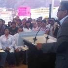 Con abucheos y protestas de sindicalizados inicia construcción de hospital en Huajuapan
