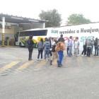 Normalistas de Huajuapan toman terminal del ADO
