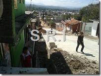05 Nov 15 Denuncian obra de pavimentación mal planeada en la calle 21 de Marzo (1)