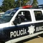 Seguridad Pública: un vehículo se va a un barranco solo lesiones.