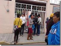 Padres de familia exigen clases en primaria de Huajolotitlán 1