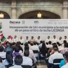 Anuncia Murat Leche Liconsa gratuita en municipios más pobres de Oaxaca