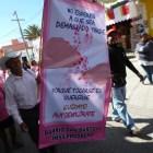 Mujeres marchan para crear conciencia en la exploración de mama