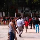 Se inconforman padres de familia del COBAO por baja de alumnos tras reprobar una materia