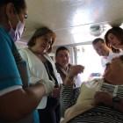 Entrega Beneficencia pública prótesis dentales a mixtecos