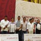Entregan recursos de subastas a presidente de Santos Reyes Yucuna