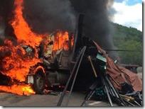 Seguridad Pública Choque entre dos trailers deja una persona muerta en la carretera Cuacnopalan-Oaxaca
