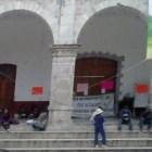 Agentes municipales de Tezoatlán toman palacio municipal