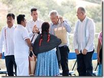 Entregan pliego petitorio de comunidades mixtecas
