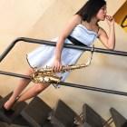 Exigen a Fiscalía ejecute orden de aprehensión contra ex diputad local por agresión con ácido a saxofonista