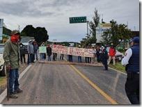 BLoqueo por habitantes de San Juan Teposcolula (1)