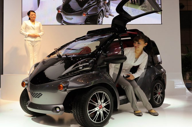 5-smart-insect-toyota-japan-afp-670