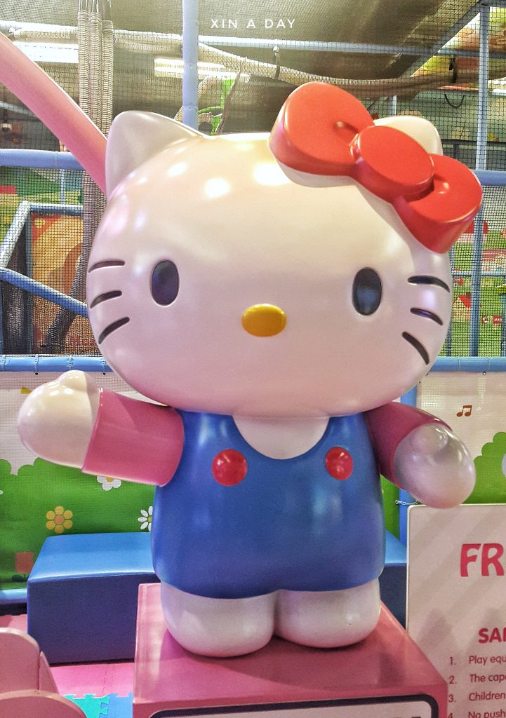 Hello kitty town -01