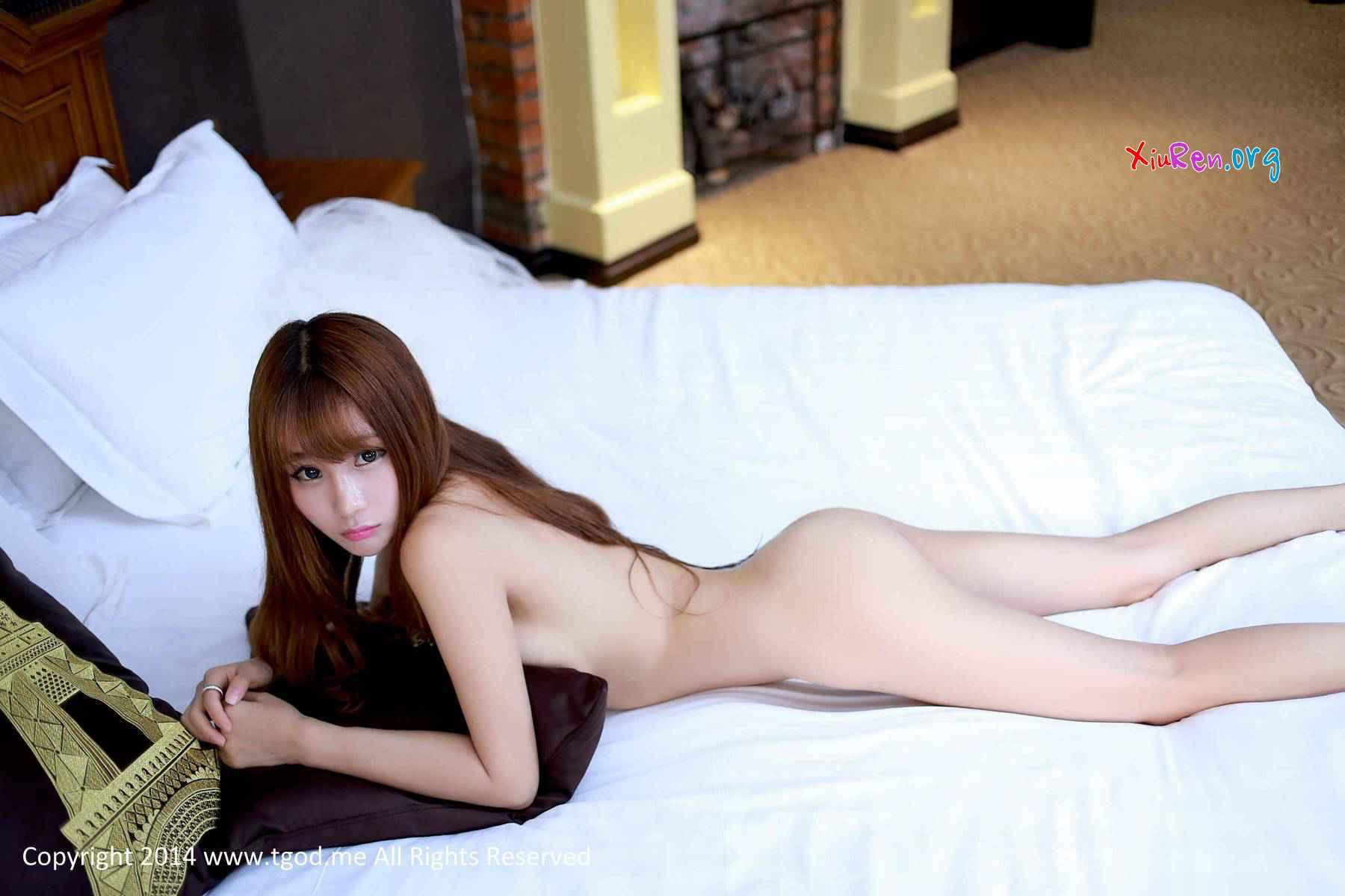 undressing galleries