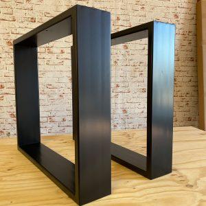 gambe tornite in legno di tiglio per un tavolo tradizionale. Gambe Per Tavoli In Legno Miglior Prezzo Online Stile Italiano Xlab Design