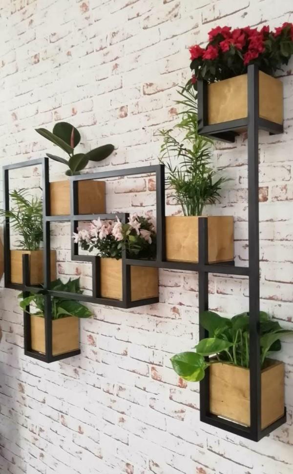 Non ti preoccupare, scegliere le decorazioni da parete per l'esterno è più facile da quanto pensi. Scaffale Da Parete Legno E Ferro Per Piante Decorative Idea Originale Xlab