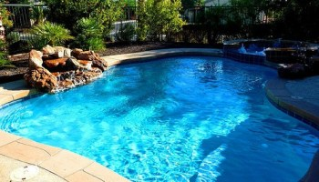 Outdoor Pool or Indoor Pool – Which One Is Best?   Swimming ...