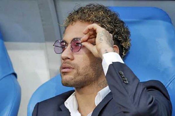 Neymar Diam Diam Bicarakan Transfer dengan Real Madrid