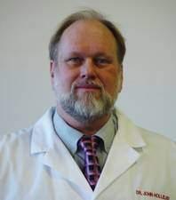 המדען ג'ון סי. הולידיי, חוקר פטריות רפואיות