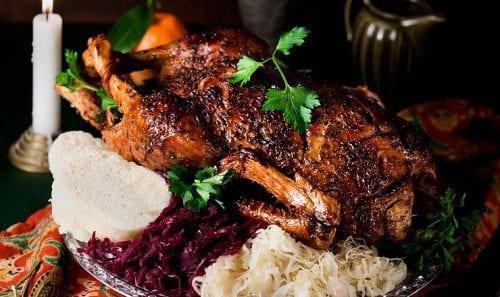 ברווז צלוי בסגנון צ'כי - מסורת כריסמס