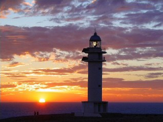 Puesta de sol con ñ de España Fomentera 4